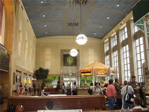 Newark_Pennsylvania_Station_interior